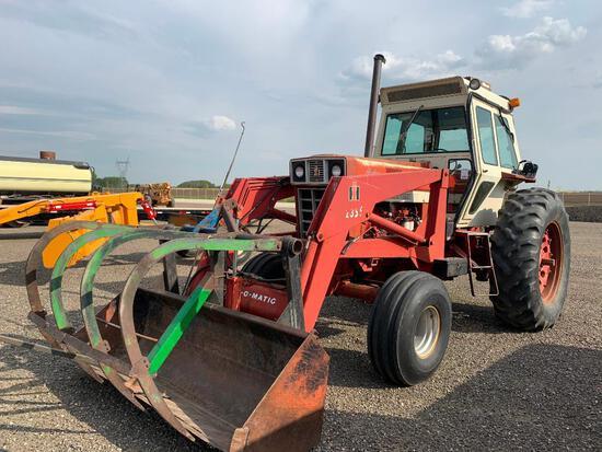International 1066 Hydro Tractor