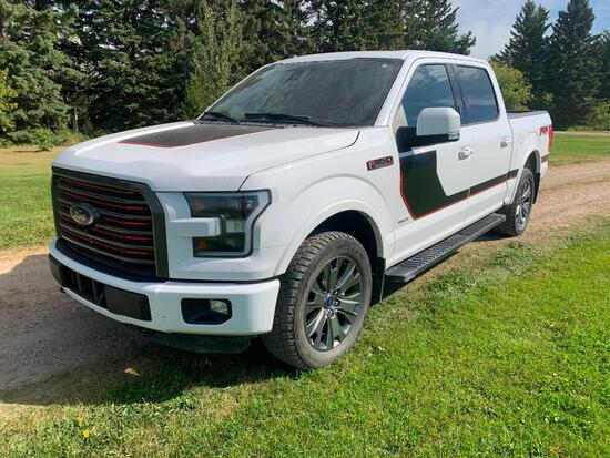 2016 Ford F-150 Lariat Crew 4x4 Pick-up Truck