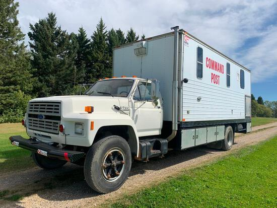 1988 Ford F700 Mobile Office Command Center
