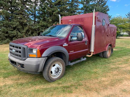 2005 Ford F-450 XL 4x4 Dually Truck