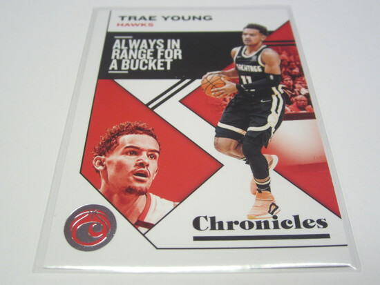 20019-20 PANINI CHRONICLES #12 TRAE YOUNG ATLANTA HAWKS BASKETBALL CARD
