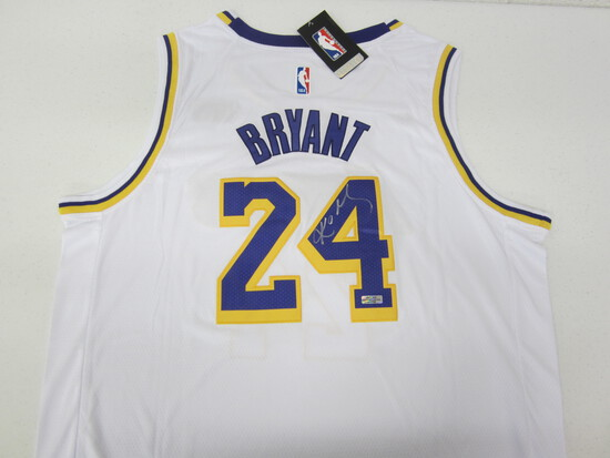 Kobe Bryant Los Angeles Lakers signed autographed basketball jersey Certified OCA