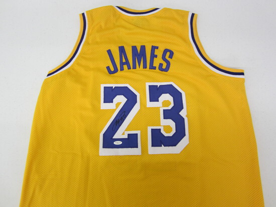 LEBRON JAMES SIGNED JERSEY WITH COA!