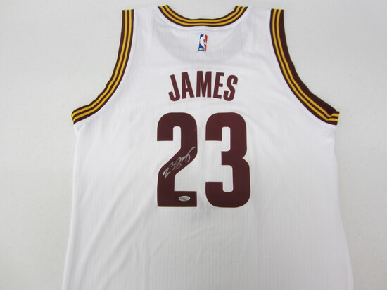 LEBRON JAMES SIGNED JERSEY WITH COA! #23 JERSEY WHEN ON THE CAVS!