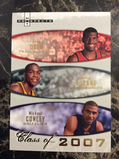 """2007-08 Upper Deck Kevin Durant RC """"Class of 2007"""" #1262/2007"""