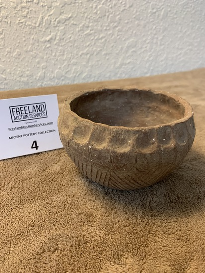 """Bowl With Decorative Edges And Sides 5"""" Diameter"""