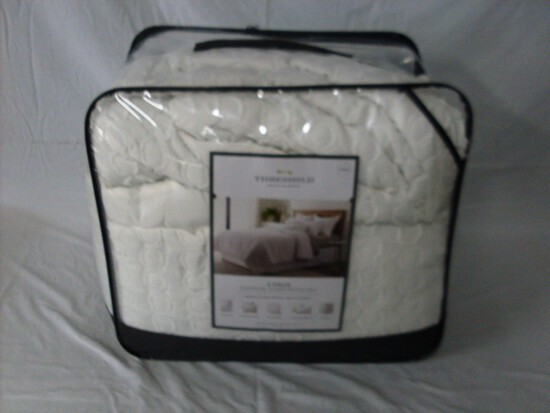 8 Pc Queen size Bed in a bag