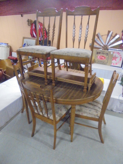 Dining Table w/2 Center Leaves and 6 Chairs