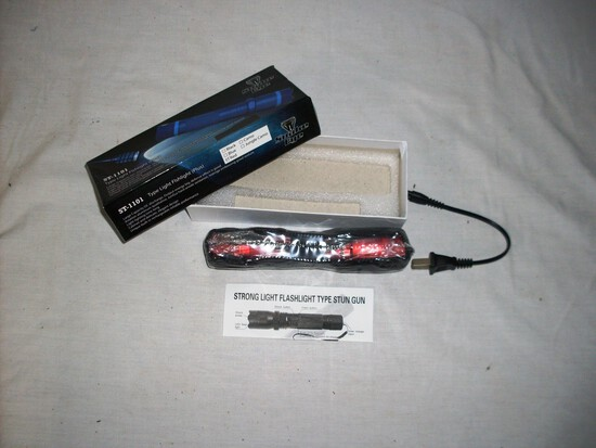 Red Flashlight Type Stun Gun