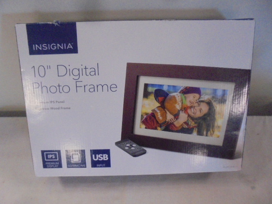"Insignia 10"" Digital Photo Frame"
