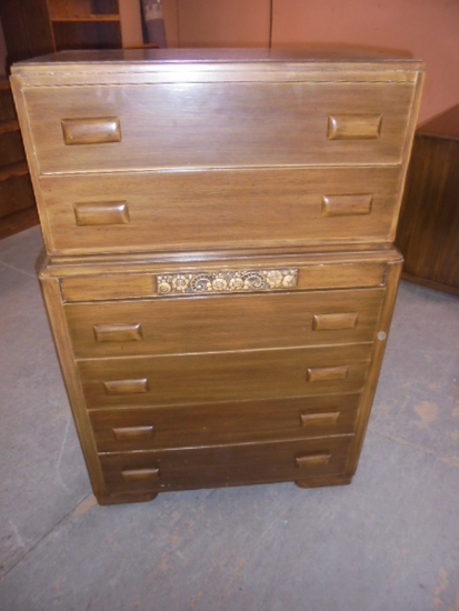 6 Drawer Solid Wood Chest of Drawers w/Dicided Drawer on  Top