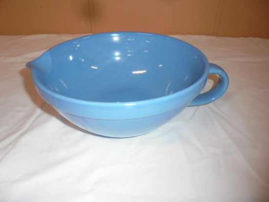 Mixing Bowl w/Pour Spout