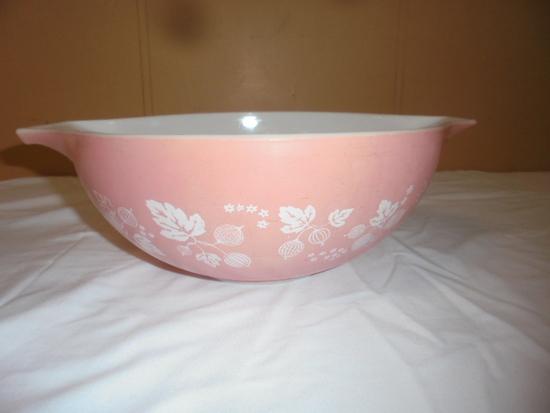 Vintage Pink Pyrex Mixing Bowl