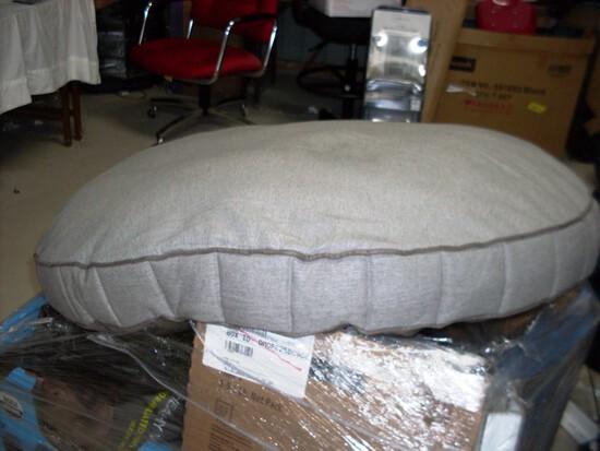 "Kirkland 42"" grey Pet Bed"