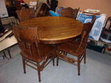 Solid Oak Round Dining Table w/ Ball and Claw Feet and 4 Matching Chairs