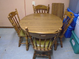 42 In. Round Dining Table w/4 Padded Chairs and 2 11 3/4