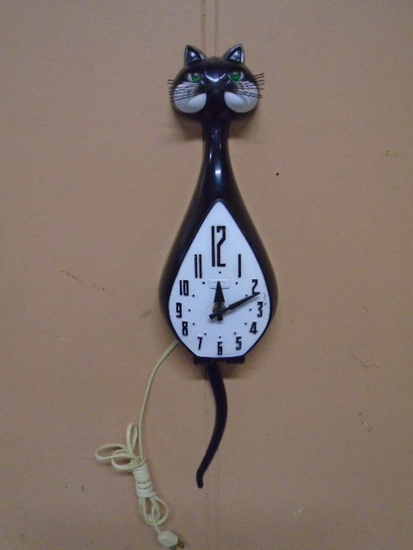 Kit Kat Spartus Kitchen Clock