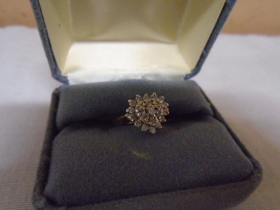 Ladies 10kt Gold Size 4.5 Ring-2.8gm-Diamond Cluster