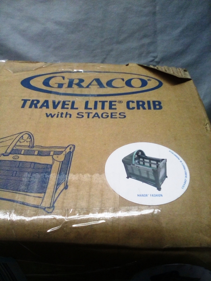 Graco TravelLite Crib with Stages