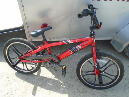 Boys Mongoose Rebel 20in Stunt Bike