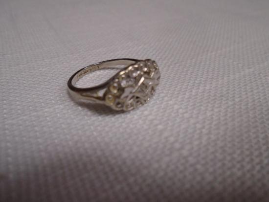 Ladies 10k White Gold Ring