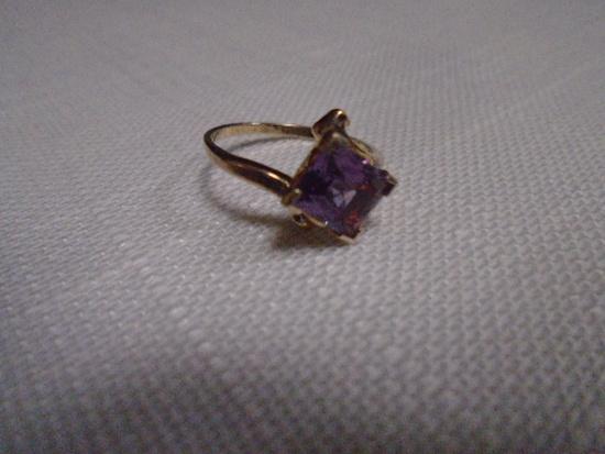 Ladies Sterling Silver & Amethyst Ring