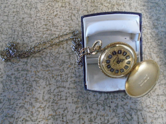 Ladies Chateau Necklace Watch