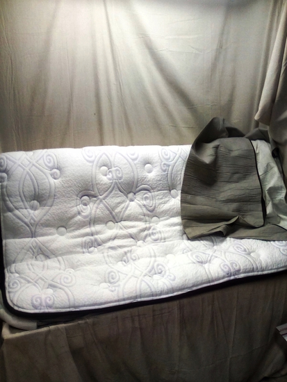 Ashley Furniture Zippered Queen Size Mattress Topper