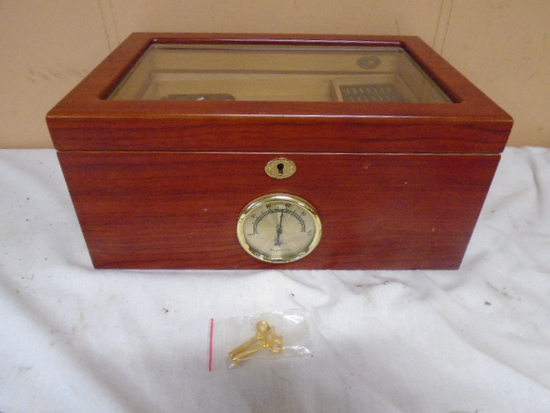 Beautiful Wooden Glass Top Humidor