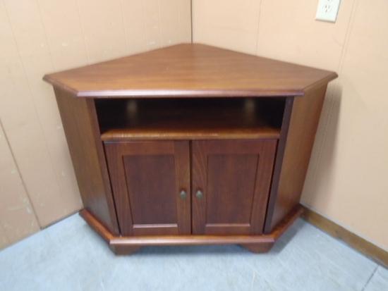 Wooden Corner TV Stand w/Double Doors and Shelf