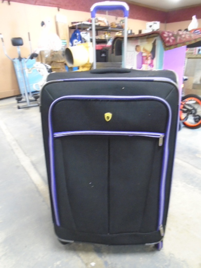 Olympia Large 4 Wheel Rolling Suitcase