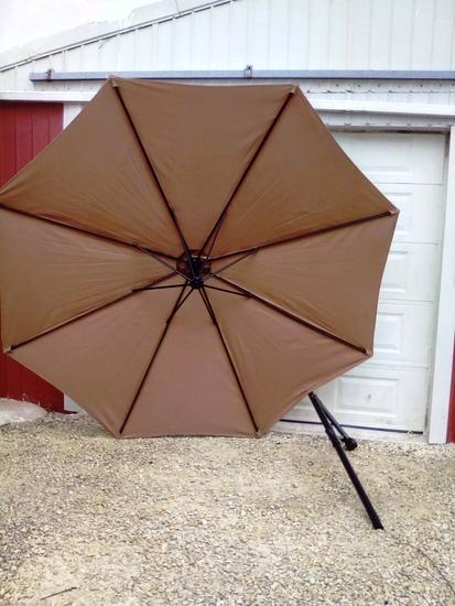 Ten Foot Crank Up Umbrella missing bottom extension