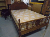 Beautiful Antique Full Size Bed Complete