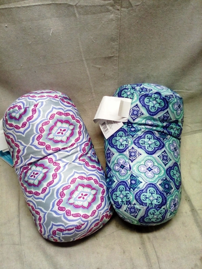 Pair of Comfort Bay Squeeze Bead Pillow