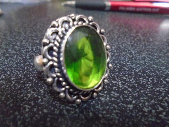 Ladies German Silver & Peridot Ring