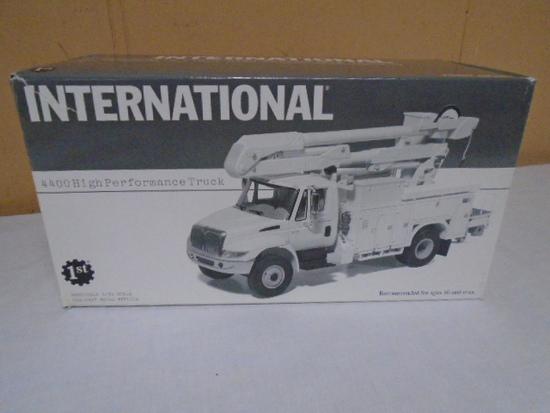 First Gear 1/34 Scale Die Cast International 4400 High Performance Truck