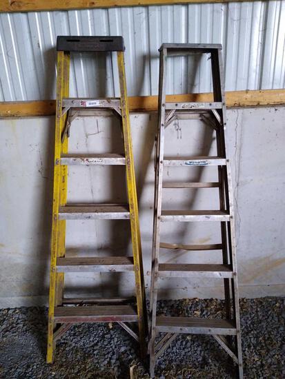 2 aluminum 6' step ladders