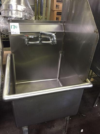 18 x 18 in. mop sink w/Faucet