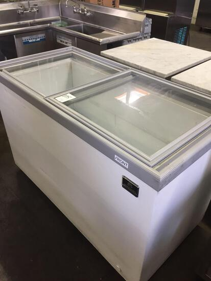 Kelvinator 57 in. sliding glass top chest freezer