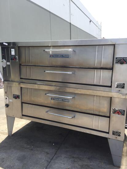 Bakers Pride Y602 gas double pizza oven