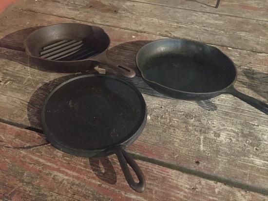 2 CAST PANS AND GRIDDLE