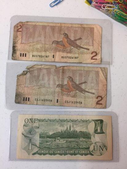 2 - 1986 $2 BILLS; 1 - $1 BILL