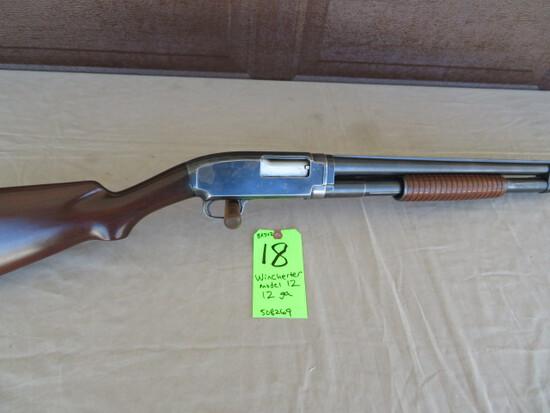 Winchester Model 12 - 12 ga.