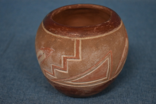 EARLY NATIVE AMERICAN POTTERY!