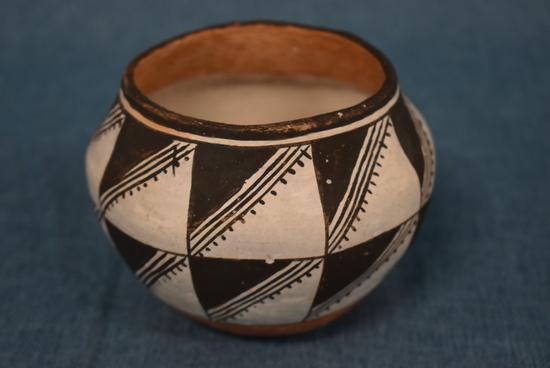 Acoma Pottery!