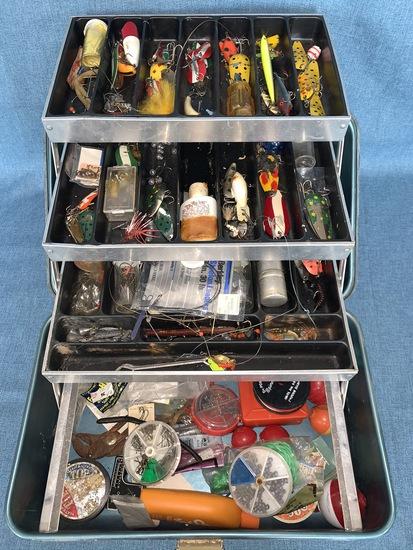 VINTAGE TACKLE BOX AND TACKLE!