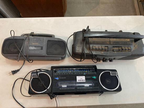 Radios - 3