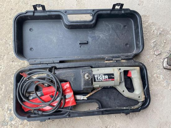 Porter cable tiger saw with blades