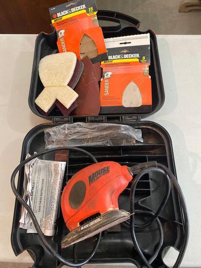 Black & Decker mouse sander with sandpaper