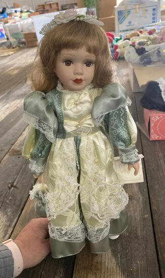 Doll - Blossomhill Collection